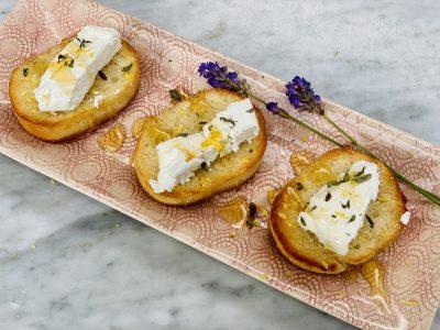 Bûchette-de-Provence Cheese Hors d'oeuvres Paired with a Provençal Rosé Wine