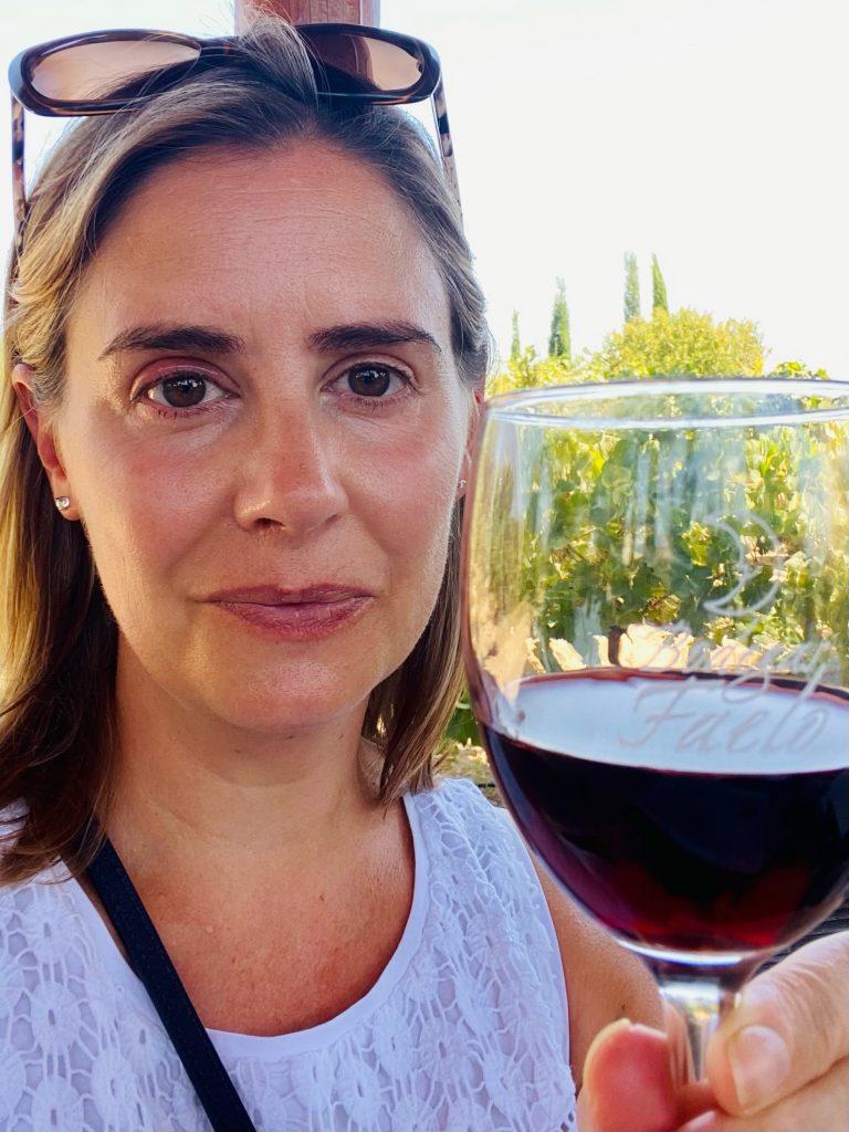 Nickila with La Dama wine